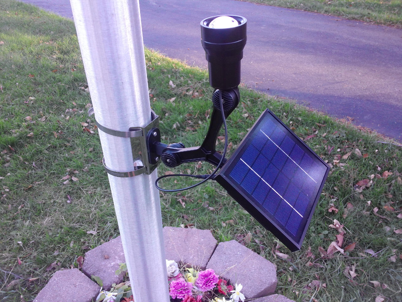 Commercial Solar Flagpole Light Cree Fixed Head