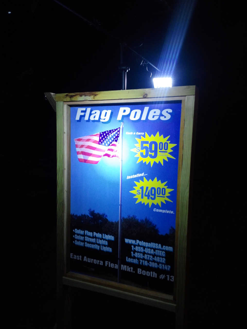Commercial Solar Billboard Light 2 - Light up at Night 2