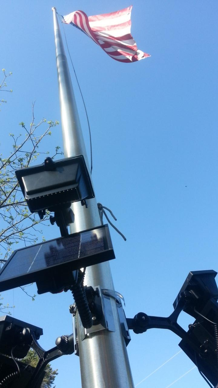 Extreme Commercial Solar Flagpole Light