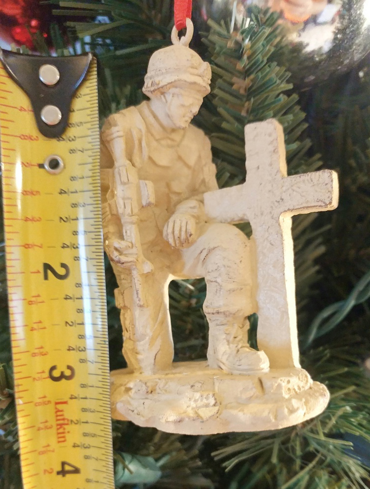 Kneeling USA Soldier Ornament